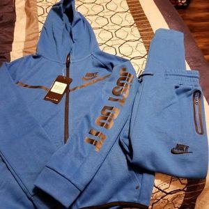 Nike  swear sweat suit